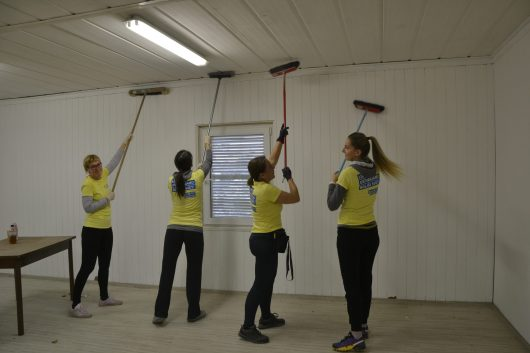 V sklopu delovne akcije pa smo pobarvali stene in strop